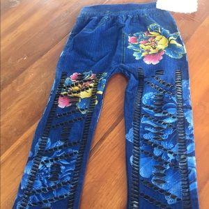 Looks like painted denim Capri leggings